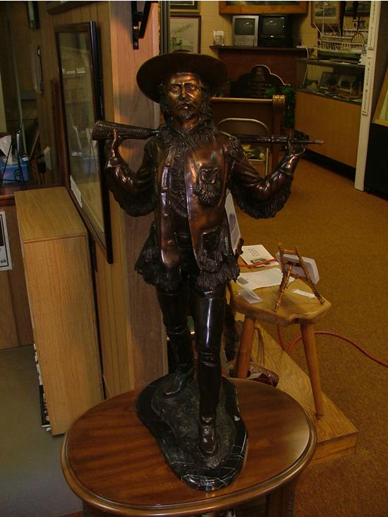 buff_bill_statue_505