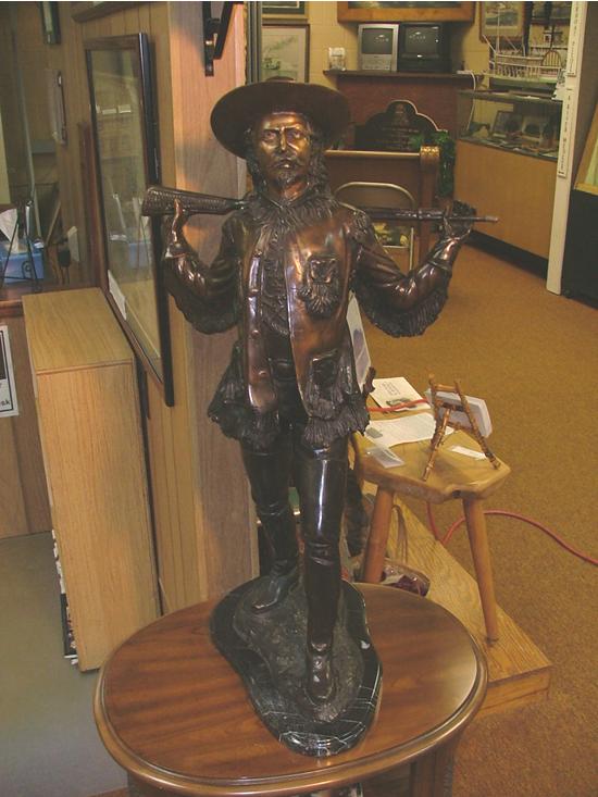 buff_bill_statue_505_brite